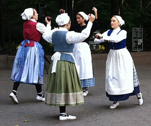 BasqueDancingGirls