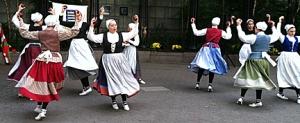 BasqueDancingGirls2