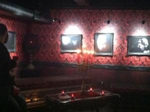 Mezzazine (second floor) corner: note candles everywhere.