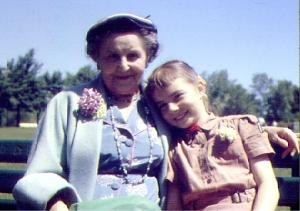 Grandma Hoffmann and N: 5/54 (Gilson Park)